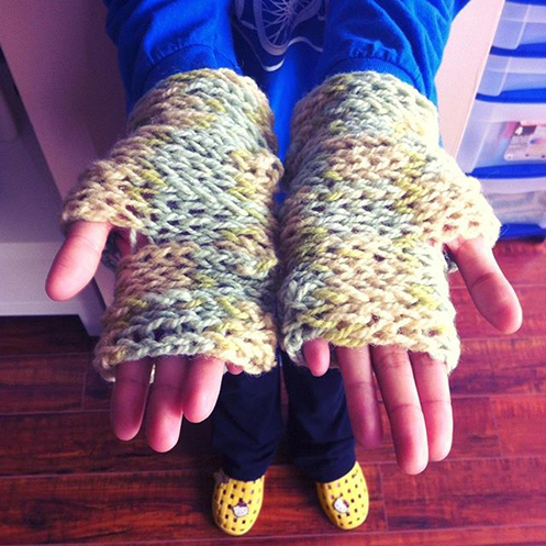 fingerknitted fingerless mitts